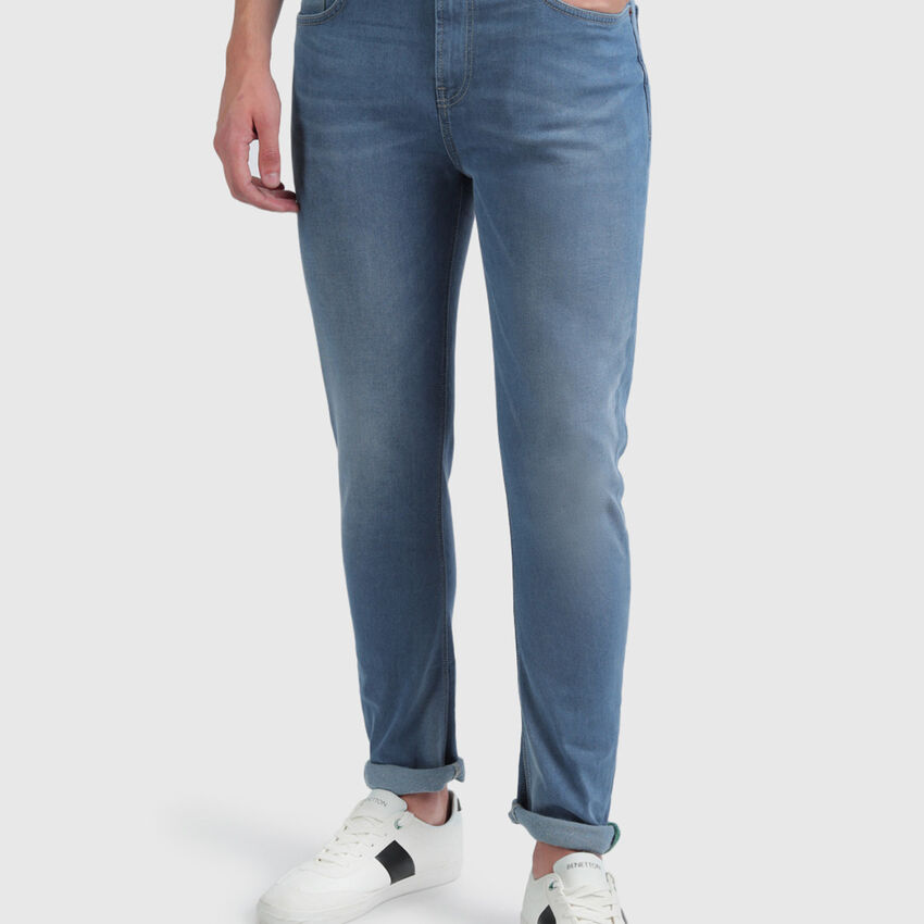Cotton Washed-Out Carrot Jeans